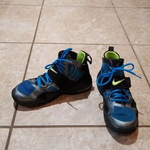NIKE AIR MAX 2 BASKETBALLS SHOES SIZE YOUTH 6Y